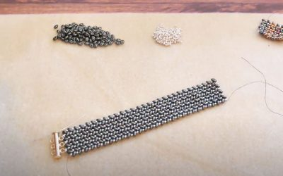 Bracelet en tissage Herringbone avec des twin beads